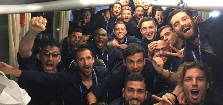 ITALIA – SPAGNA 2 – 0 La Foto dal pullman degli azzurri!!