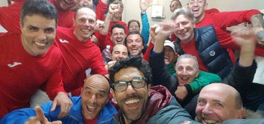 Veterani, la Virtus Sanremo vince il derby con l'Imperia e negli spogliatoi si scatena la festa!