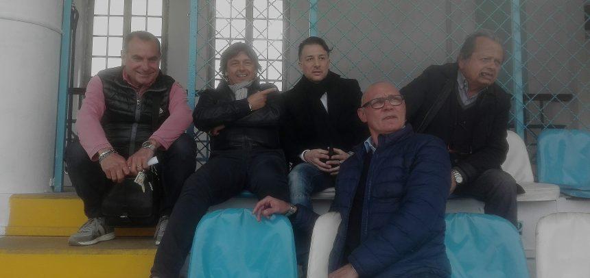 Sanremese, la dirigenza al gran completo ad osservare i primi allenamenti di Carlo Calabria