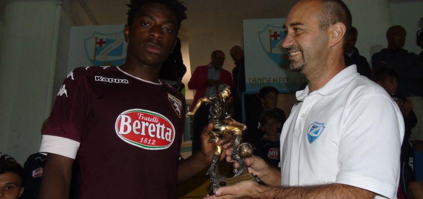 """Torneo Internazionale Carlin's Boys, premio """"Duccio Melani"""" all'attaccante del Torino Odjoubie Kone"""