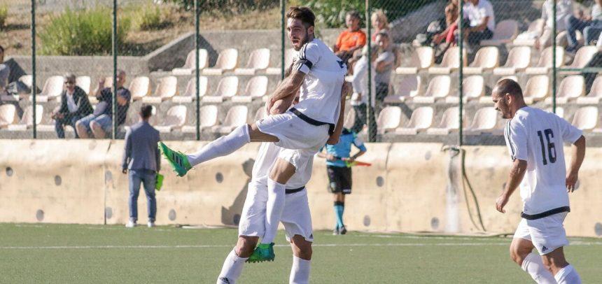 """Ospedaletti, Fabio Sturaro a segno contro la Loanesi con una prodezza su punizione:""""Dedico il gol e la vittoria alla famiglia Lamberti"""""""