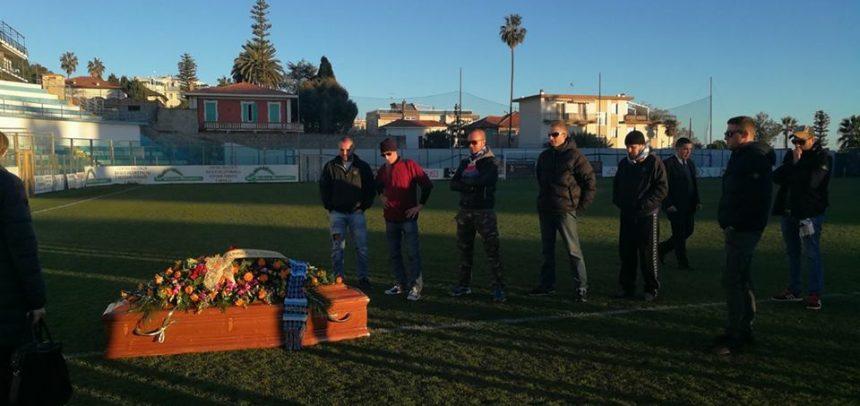 """I genitori di Christian Dal Monte ringraziano i tifosi della Sanremese:""""Ci avete veramente commosso, grazie di cuore"""""""