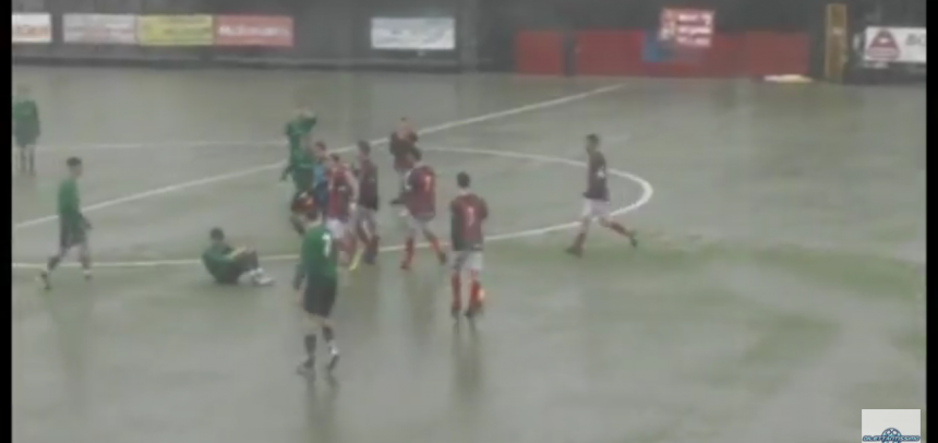 [Video] San Gottardo-Caparanese 0-1: partita sospesa per aggressione all'arbitro