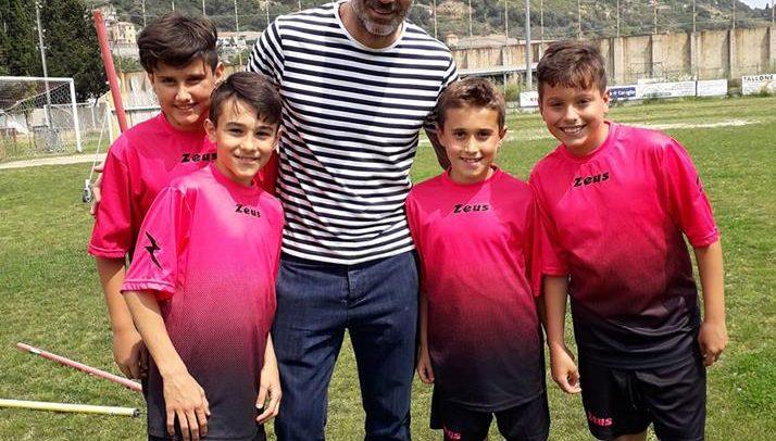 Argentina, una cordata pronta a rilevare il club rossonero: c'è anche il portiere del Chievo Stefano Sorrentino