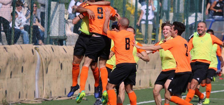 Ospedaletti-Arenzano 3-3, finisce con un gol la carriera di bomber Lamberti