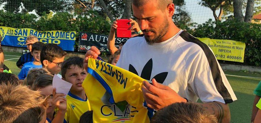 Stefano Sturaro in visita ai bambini del San Bartolomeo Calcio