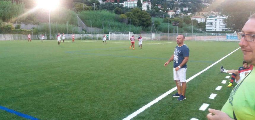 """Camporosso – Buon pareggio per 2-2 contro l'Etoile de Menton, mister Luci:""""La squadra sta lavorando molto bene e sono felice dei ragazzi"""""""