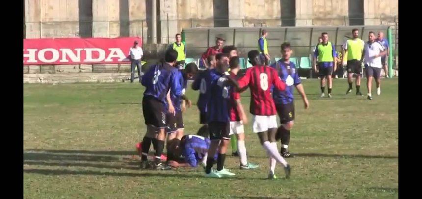 [Video] Atletico Argentina, l'espulsione a Luigi De Mare contro la Carlin's Boys
