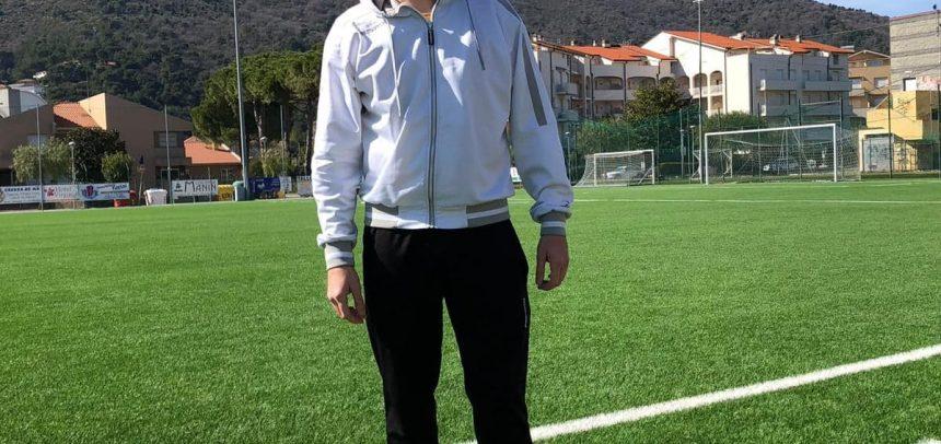 """Riva Ligure, Mattia Montepietra in gol con una straordinaria punizione contro il Legino B:""""Dedico il gol a mia moglie Laura e al nostro bambino"""""""
