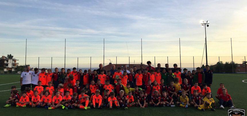 """Al """"Ciccio Ozenda"""" 100 ragazzi di Genoa e Ospedaletti per un pomeriggio a tinte aranciorossoblu"""