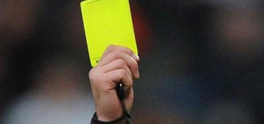 La Fifa pensa a nuove regole contro il Coronavirus: cartellino giallo per chi sputa per terra