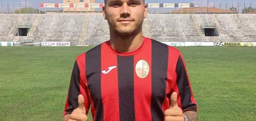 Flavio Bianchi in gol all'esordio con la maglia della Lucchese