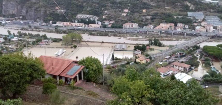 Ventimiglia, impianti sportivi di Peglia invasi dall'acqua del Roya