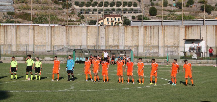 L'Ospedaletti resiste in dieci sul campo del Taggia, è 1-1 alla prima di Coppa Italia. In rete Calderone